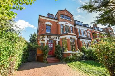 MUSWELL HILL ROAD  Musewell Hill N10 3NH, London - £2,000,000