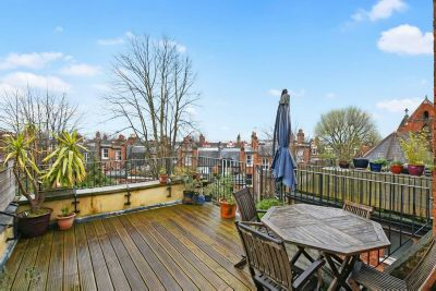 WHITEHALL PARK  Whitehall Park N19 3TN, London - £940,000